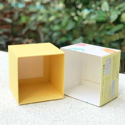 GratiTea Custom Foldable Rigid Box with a Separate Base and Lid