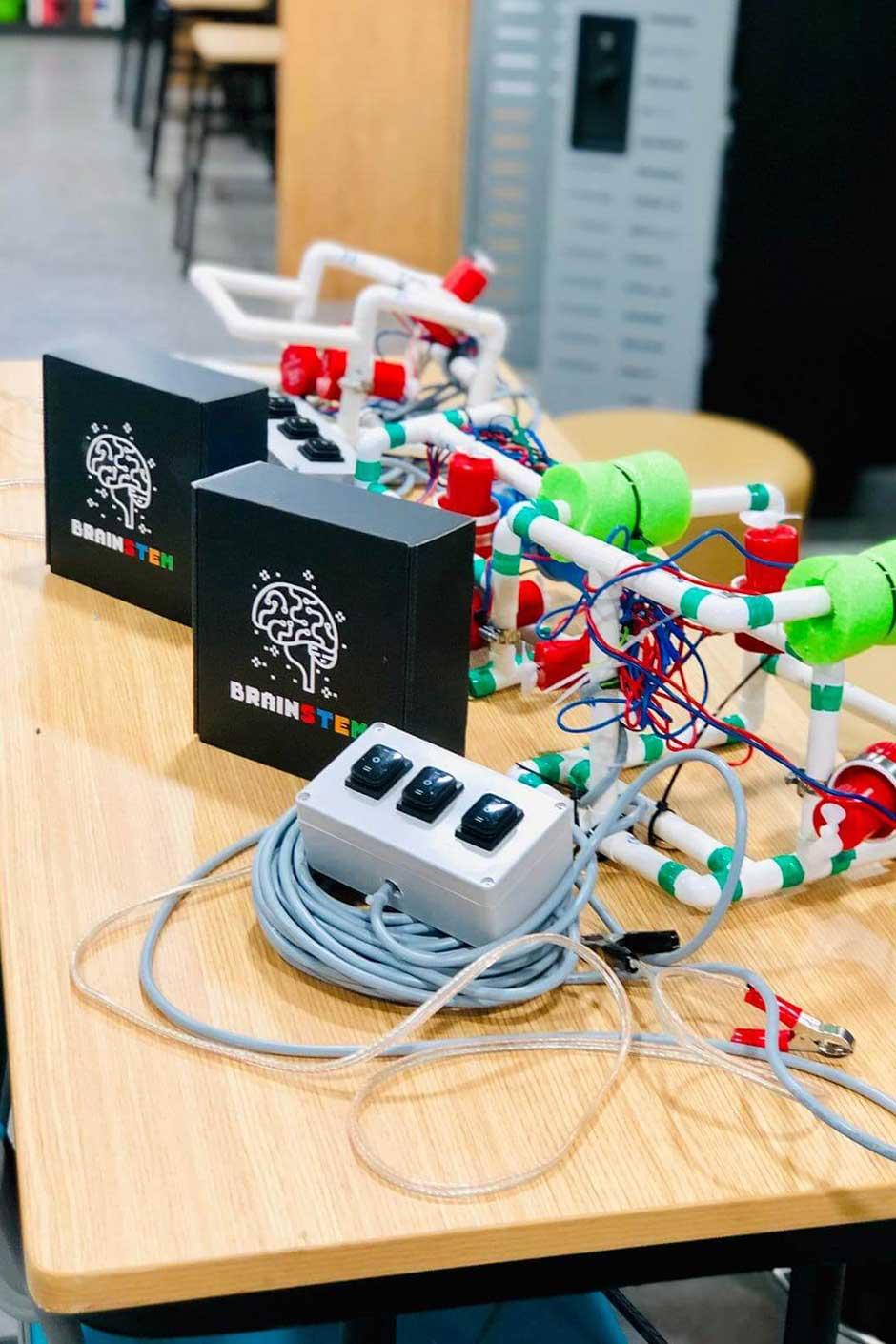 BrainSTEM Custom Mailer Box Robotics Kit