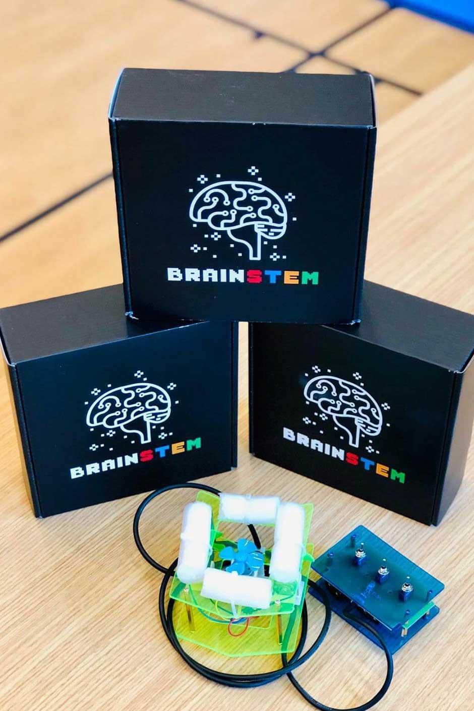 BrainSTEM Custom Packaging Robotics Kit
